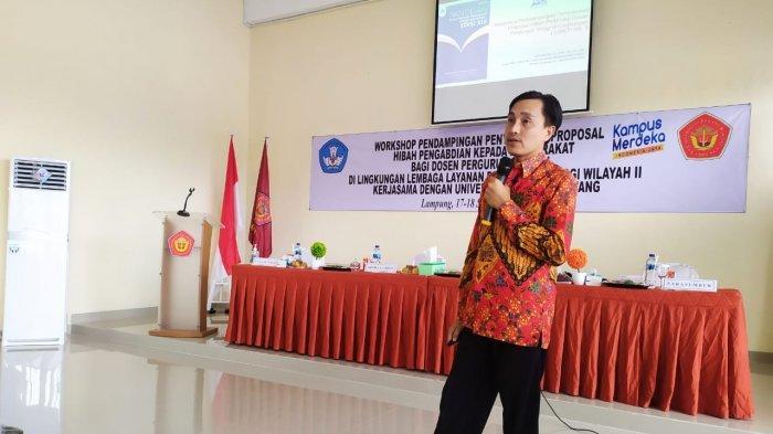 LLDIKTI Wilayah II Utus Nedi Hendri Jadi Narasumber Workshop Penulisan Proposal Program Kemitraan Masyarakat